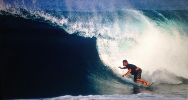 Artur Cayres: o surfista que virou um empreendedor virtual de sucesso